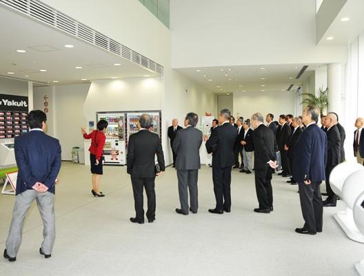 職場訪問「ヤクルト本社、兵庫三木工場を見学」
