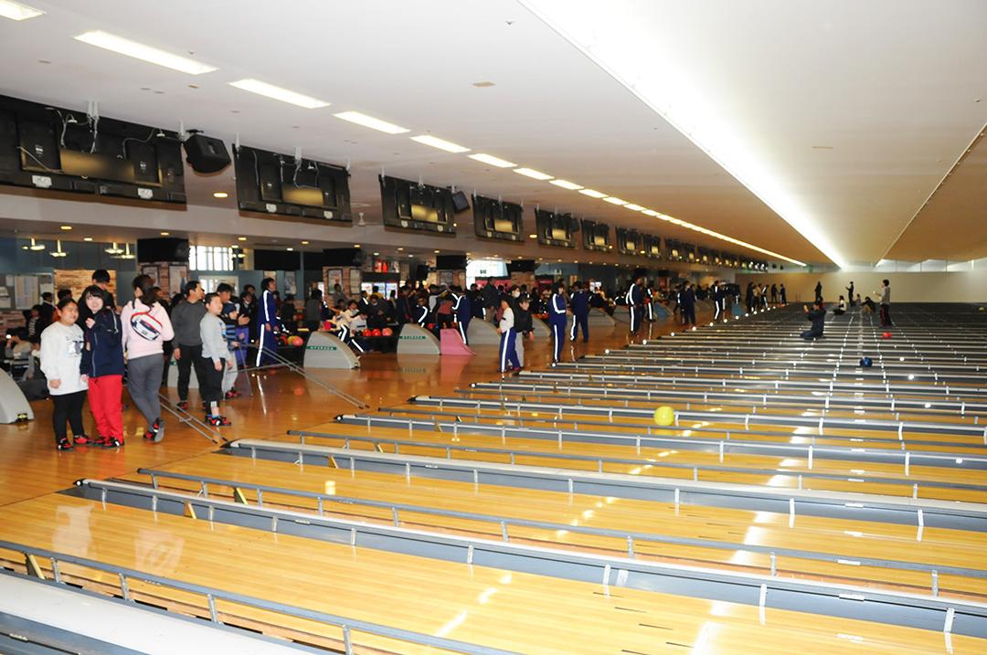 250人の参加で青陽東養護学校招待ボウリング大会を開催